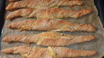 Knoblauch-Käse-Stangen (8)