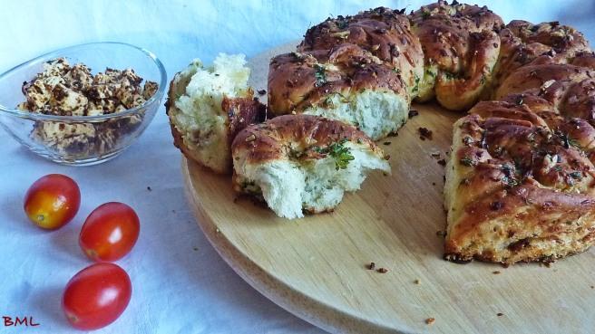 Knoblauch-Käse-Kräuter-Kranz (10)