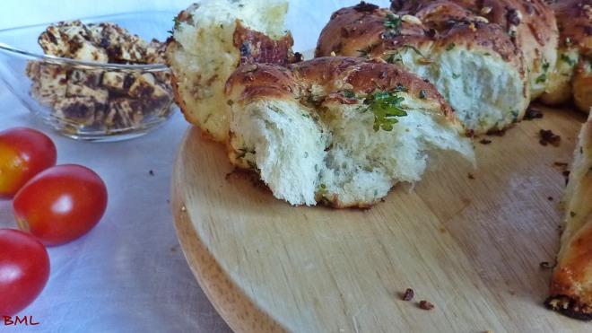 Knoblauch-Käse-Kräuter-Kranz (19)