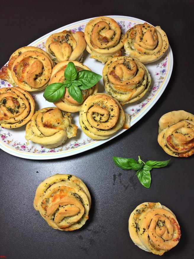 Basilikum-Mozzarella-Zupfmuffins (3)