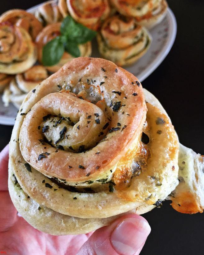 Basilikum-Mozzarella-Zupfmuffins (7)