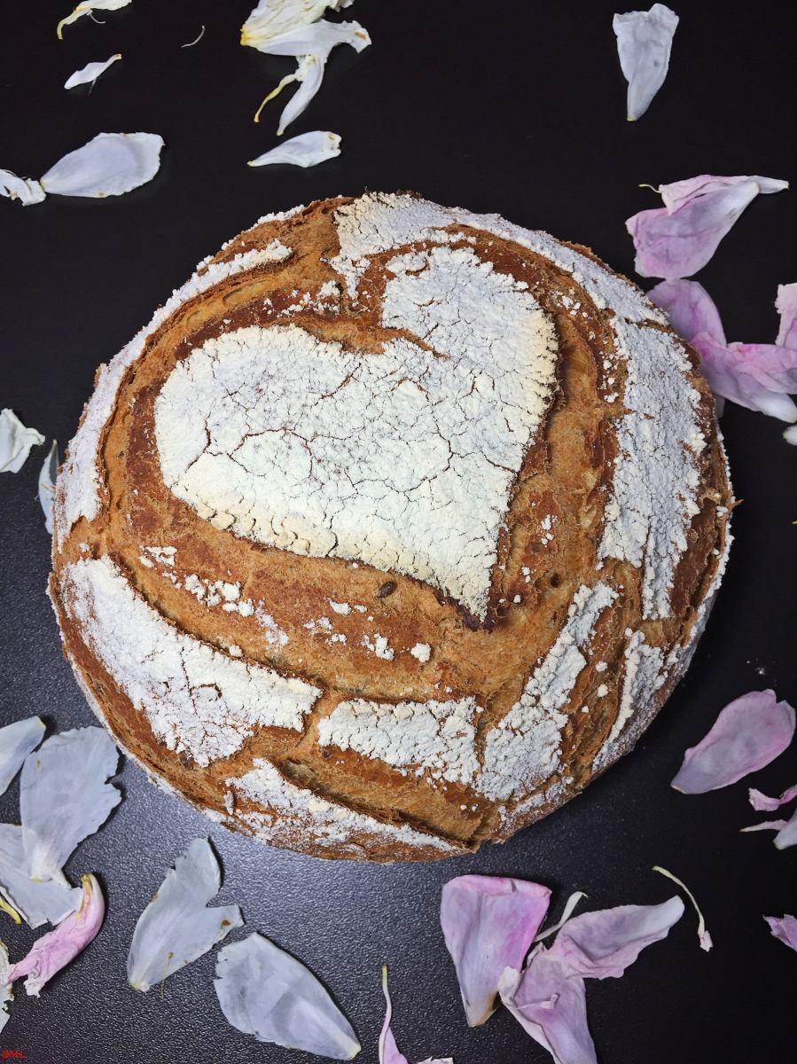 Dinkel-Joghurtbrot mit Leinsamen...im Topf gebacken