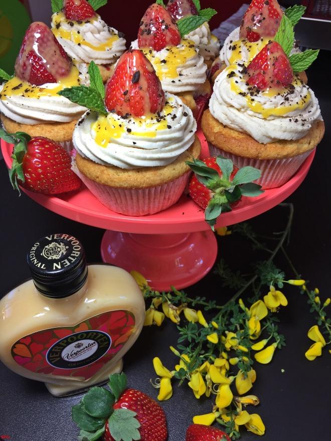 Erdbeer-Eierlikör-Cupcakes (19)