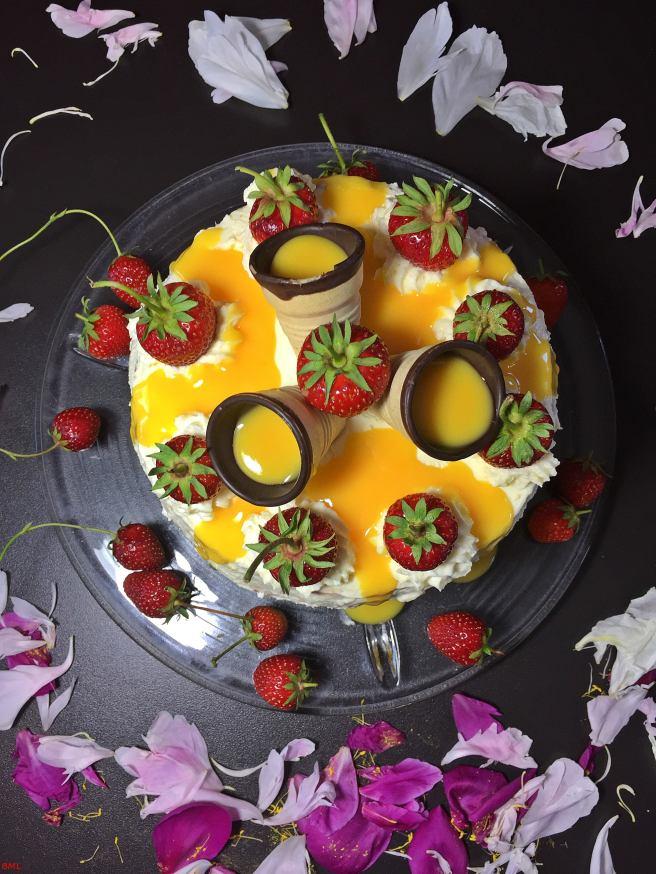 Erdbeer-Eierlikörtorte (37)