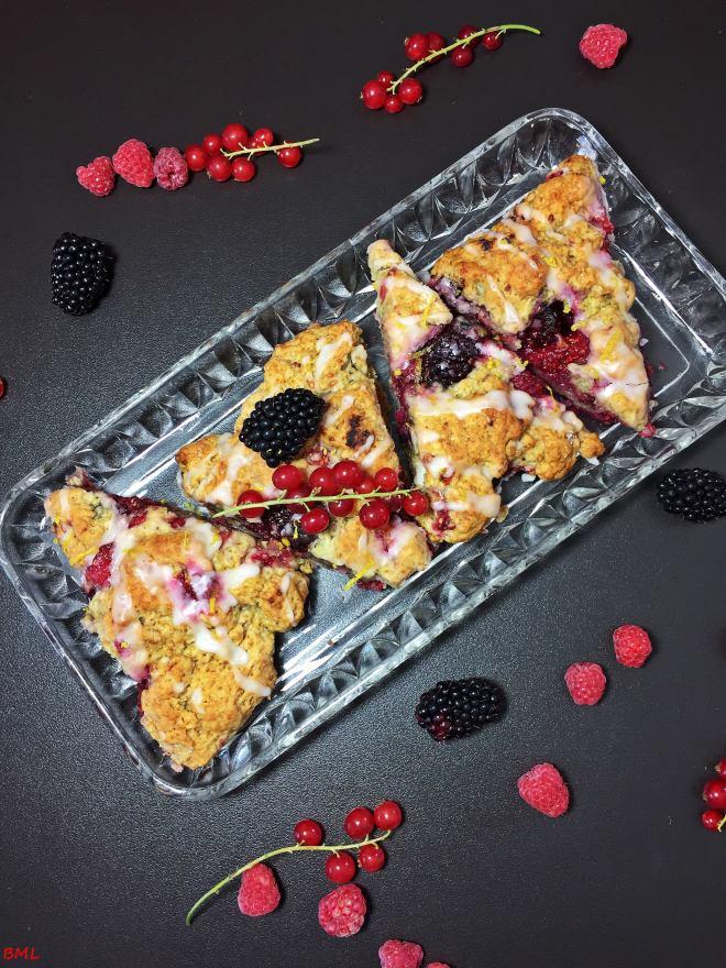 Scones mit roten Beeren (7)