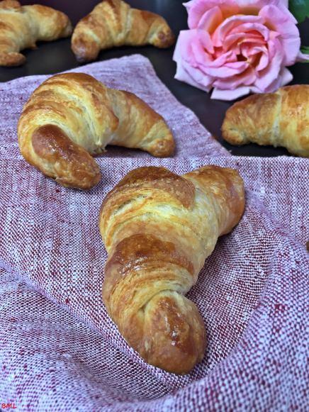 Croissants (66)