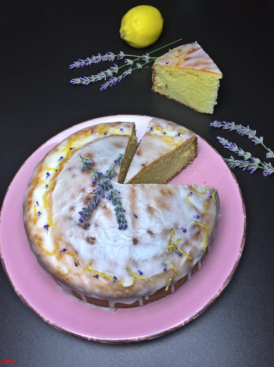 Zitronen-Saure Sahne- Kuchen