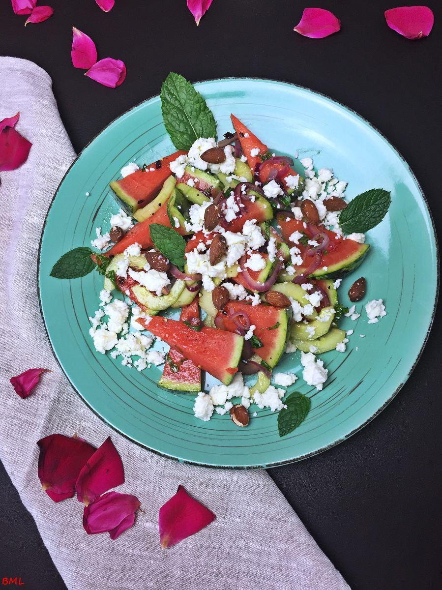 wassermelonen feta salat mit minze und ger steten mandeln backen mit leidenschaft. Black Bedroom Furniture Sets. Home Design Ideas