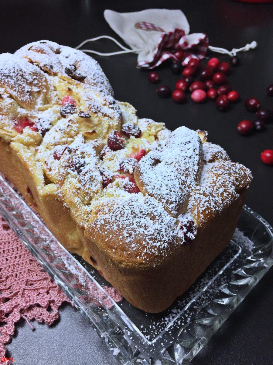 Apfel-Marzipan- Babka mit Cranberries