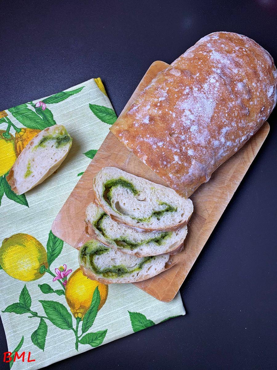 Ciabatta mit Bärlauch-Spinat-Parmesan-Swirl...locker, weich und lecker im Frühling