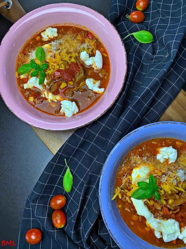 Bolognese-Suppe…herzhafte Hackfleisch-Gemüsesuppe…ein Klassiker in neuem Gewand