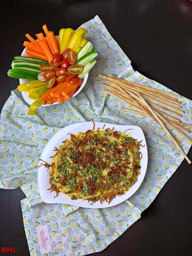 Erbsenpüree ( Fava ) zu Gemüsesticks…Mezze für das Blogevemt