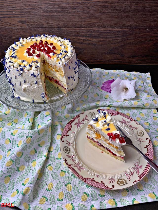 Mascarpone-Sahnetörtchen mit Preiselbeeren, Pfirsich und Eierlikör…auch eine Torte muss es mal sein