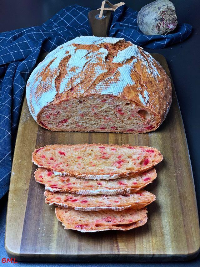 Rote Bete-Sauerteigbrot aus dem Topf…ein Brot zum World Bread Day 2019