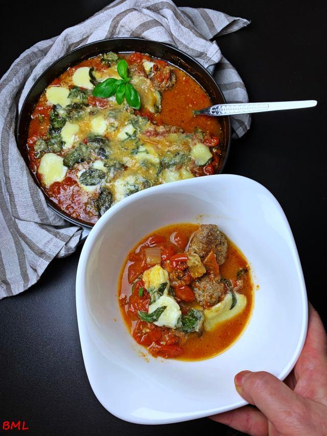 Hackfleischbällchen in Tomatensauce nach Jamie Oliver