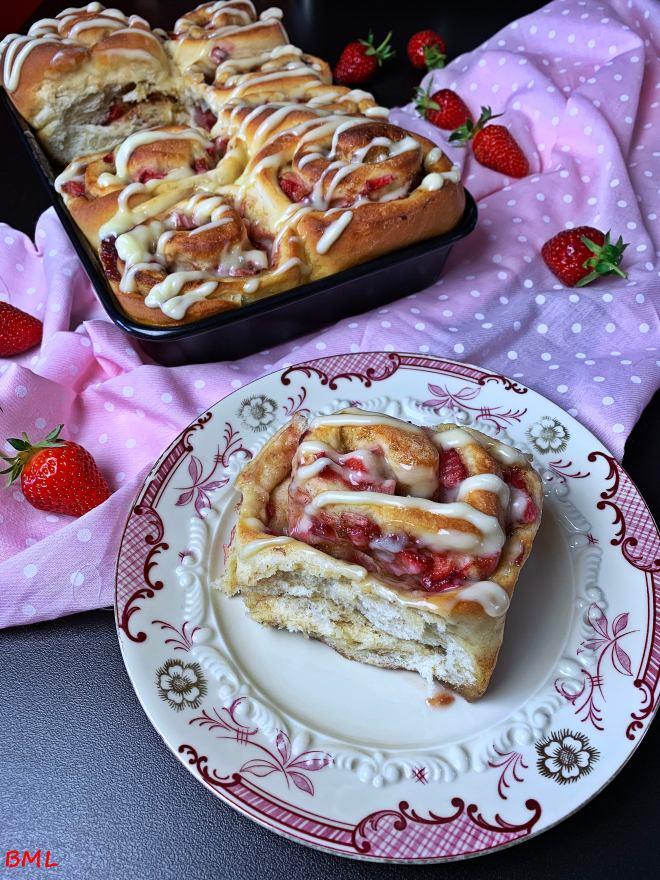 Erdbeer-Zimtschnecken (3)