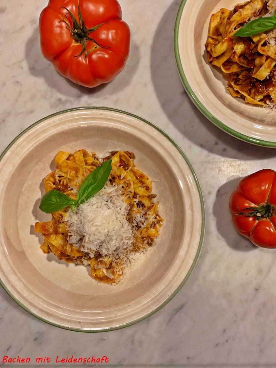 Tagliatelle al Sugo…Pasta mit Fleischsauce…italienisch kochen